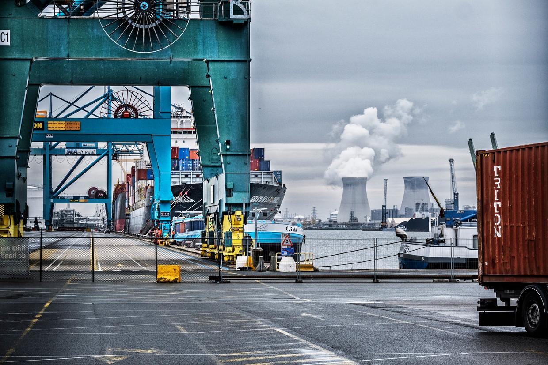 De Antwerpse haven, draaischijf voor de drugshandel.  Beeld Tim Dirven