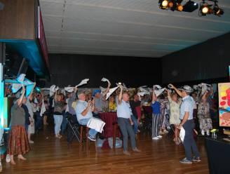 Foodtrucks, zingen en dansen: vaccinatiecentrum Voorkempen bedankt vrijwilligers en medewerkers