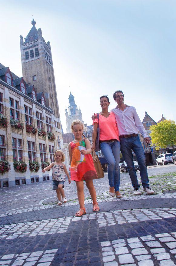 Heel wat gezinnen zullen deze zomer ongetwijfeld Roeselare ontdekken dankzij de zoektochten van Gezinssport Vlaanderen.