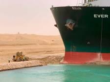 Verwijderen vastgelopen schip Suez-kanaal kan weken duren, zegt topman baggerbedrijf Boskalis