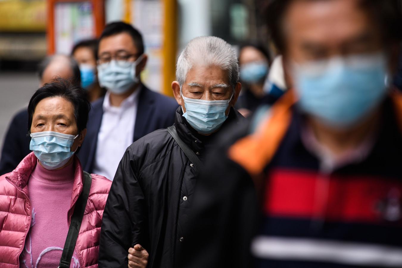 Hong Kong sluit vrijwel alle grenzen om het virus een halt toe te roepen.