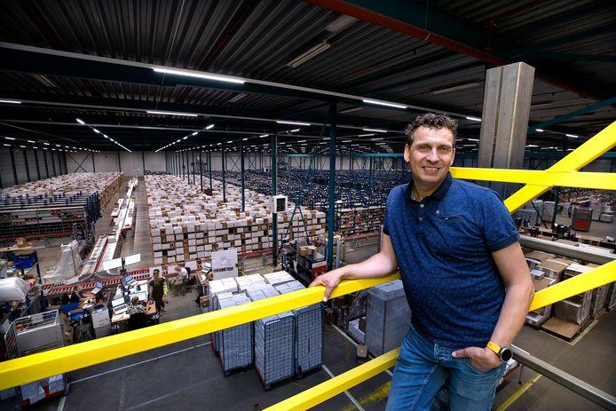 René Gijsman in de productiehal van kleertjes.com.