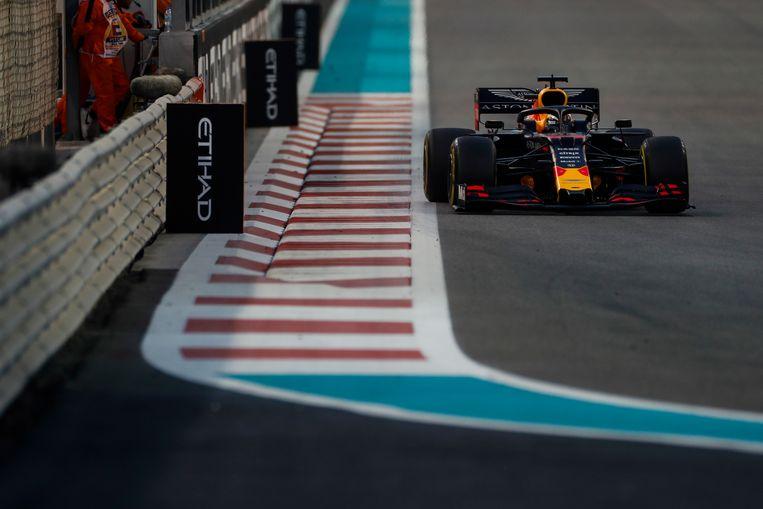 Max Verstappen tijdens de race in Abu Dhabi. Beeld BSR Agency