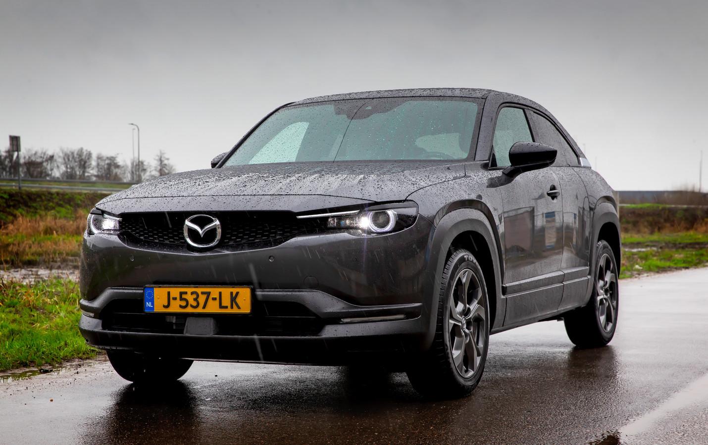 De elektrische Mazda MX-30 is onderscheidend maar lang niet altijd even handig in het gebruik.