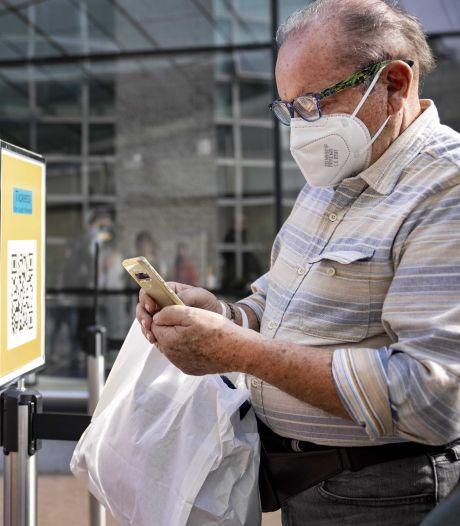 Pass sanitaire obligatoire aux Pays-Bas: l'application Coronacheck surchargée par des attaques
