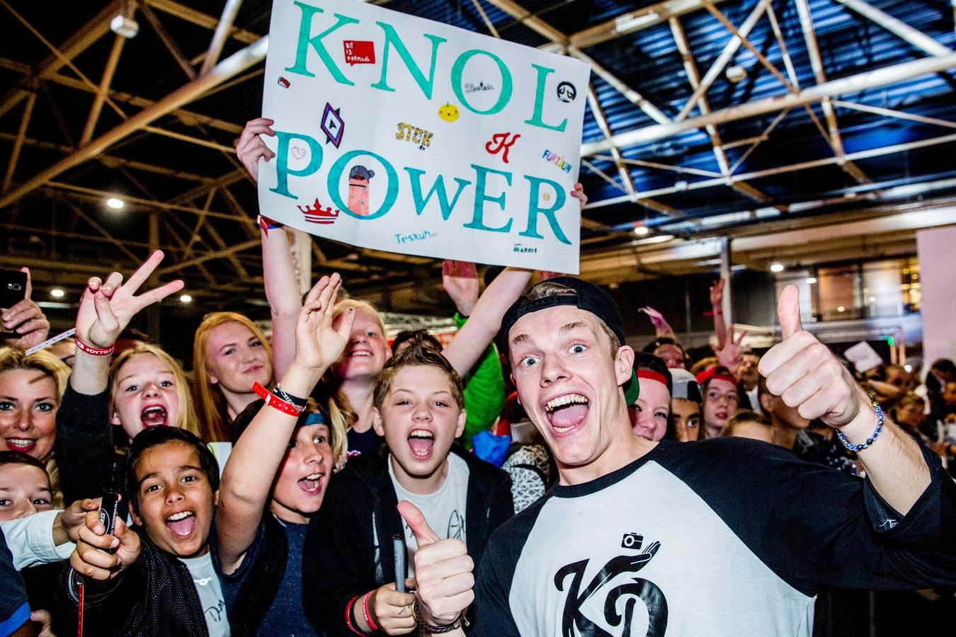 Een van de meest populaire vloggers van Nederland is Enzo Knol.
