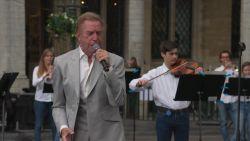 Will Tura verrast met symbolisch lied tijdens Vlaamse feestdag