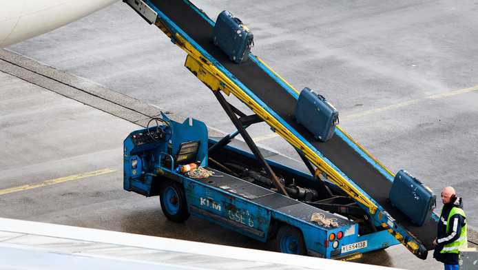 De afspraken gelden voor circa 1200 bagageafhandelaars die bij Menzies en Swissport actief zijn.