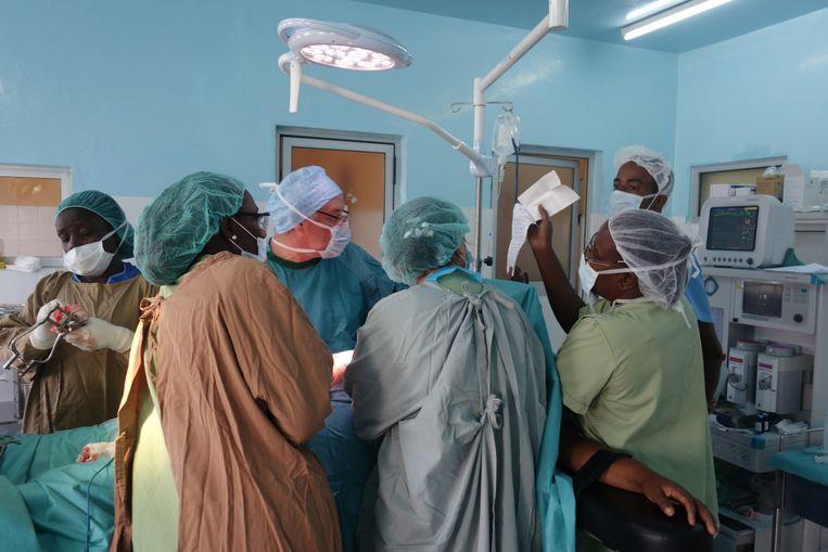 Dokters Ingels en Hendrick aan de slag in Sao Tomé.