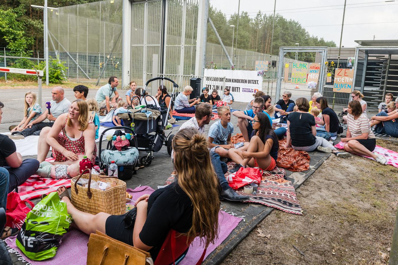 De wake voor de kinderen uit Culemborg vrijdagmiddag.