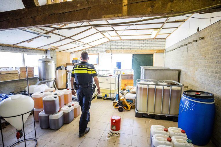 Het lab is 'het grootste en meest professionele' dat tot nog toe werd ontdekt in Nederland. Beeld AFP