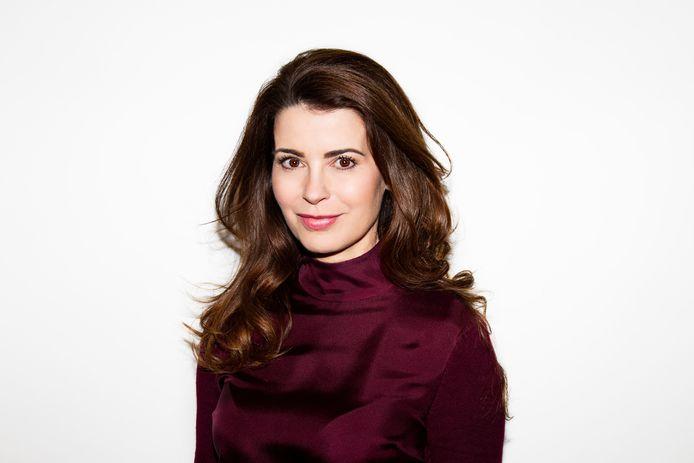 Janine Elschot wordt gespeeld door Caroline de Bruijn