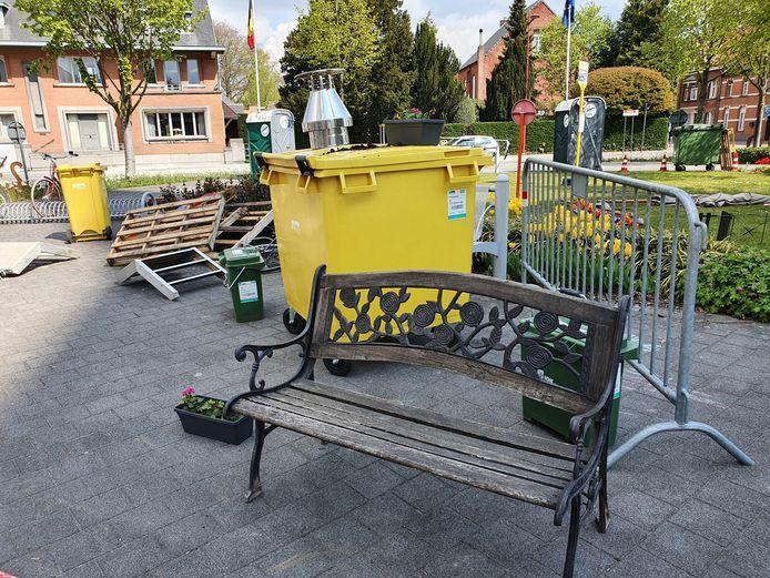 Poortje Pik in Rijkevorsel leverde weer aardig wat spullen op die verzameld werden op de rotonde in het centrum.