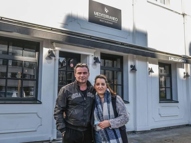 """Koppel ontvluchtte in 2011 Griekse crisis, nu dreigt corona hun restaurant te nekken: """"Ik word 's nachts huilend wakker door paniekaanvallen"""""""