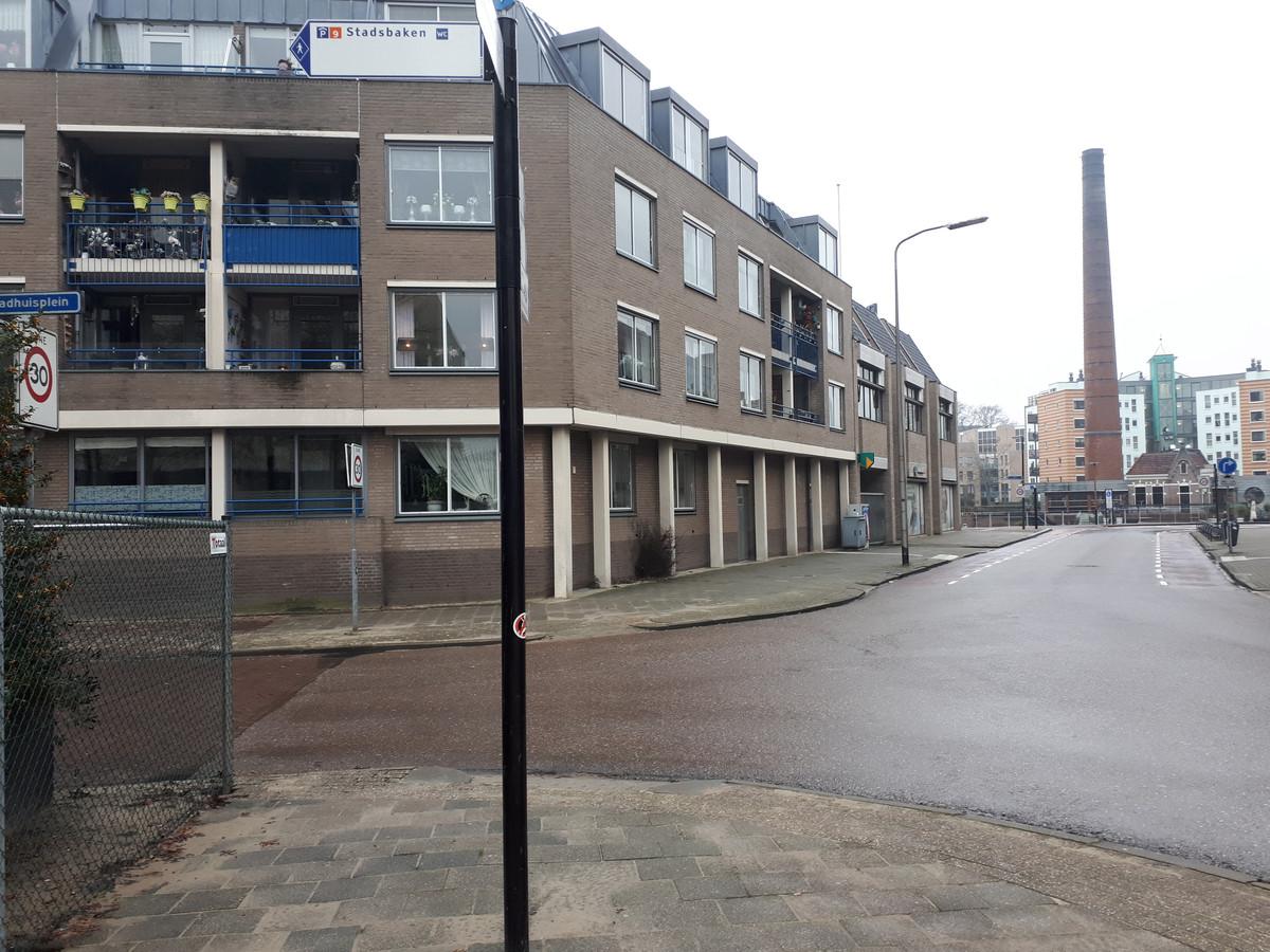 De kans is groot dat alle appartementen aan de Stadskade tegen de vlakte gaan, tot verdriet van bewoners.