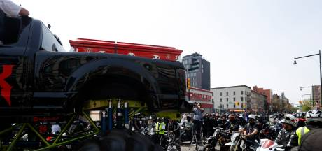 Le cercueil de DMX traverse New York sur un monster truck