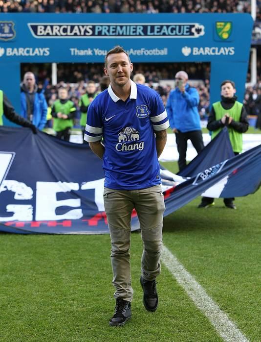 Aiden McGeady wordt gepresenteerd voorafgaand aan het duel tussen Everton en Norwich City.
