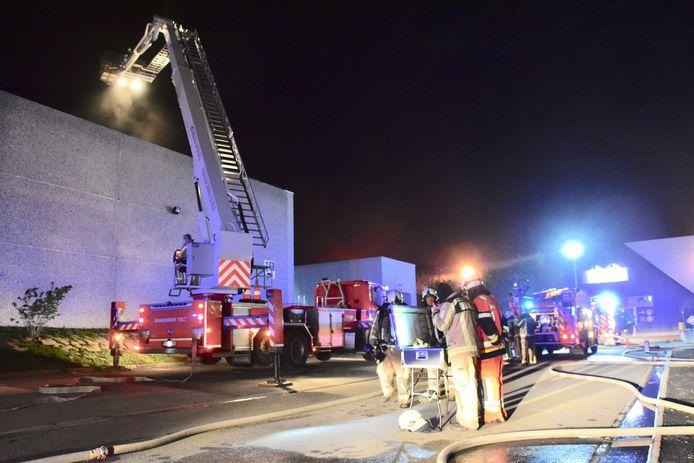 De brandweer had de situatie vrij snel onder controle in het bedrijf Grandeco in Tielt.