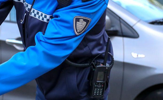 Er zijn op dit moment te weinig ambtenaren die toezicht houden in de wijken. De gemeente Zwolle komt ogen en oren tekort en is bereid met tonnen te smijten om het toezicht naar een hoger niveau te tillen.
