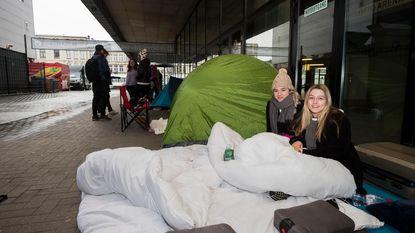 Fans kamperen 50 uur aan Sportpaleis voor Harry Styles