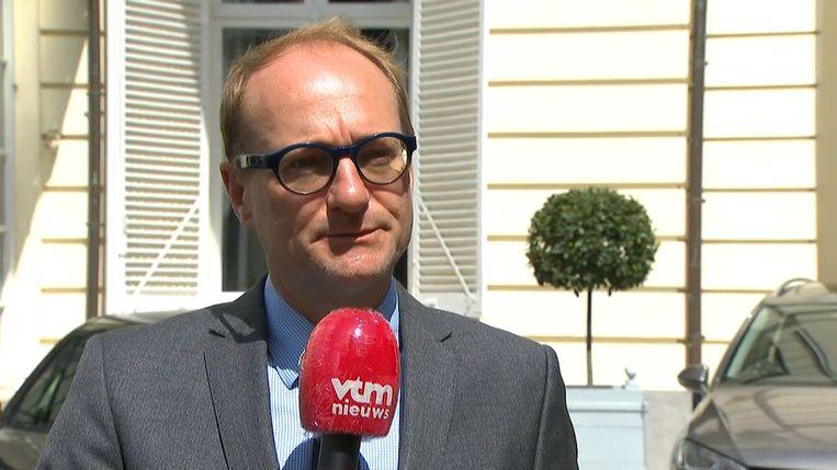 Vlaams minister van Onderwijs Ben Weyts (N-VA) in de uitzending bij VTM NIEUWS. Beeld VTM NIEUWS