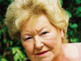 """Britse schrijfster Lyn McDonald (87) overleden: """"Ze bezocht vaak de Last Post in Ieper"""""""