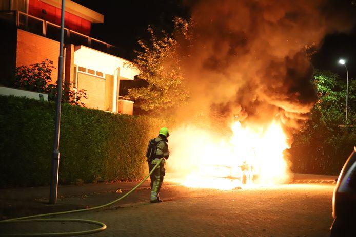 Dure pick-up brandt uit in Tiel