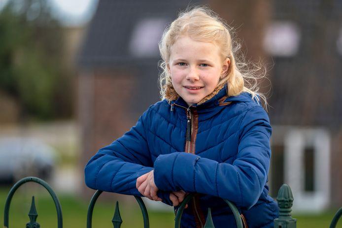 Emma van der Pluijm (maandag wordt ze 10 jaar) schreef de regering een open brief, omdat ze graag tegen corona gevaccineerd wil worden