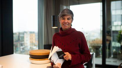 Oud-senator Jacinta De Roeck geeft zich bloot in 'Zonder ondergoed'