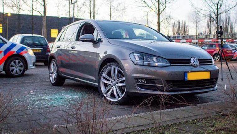 De auto waaruit in Amstelveen een man werd getrokken. Beeld ANP