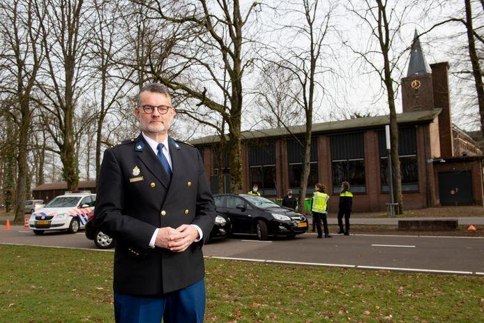 Gerrit den Uyl is nu iets meer dan een jaar directeur van de Politieacademie in Apeldoorn. Sindsdien is de rust aan de Arnhemseweg weergekeerd.