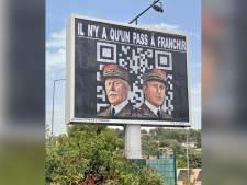 Macron aux côtés du maréchal Pétain devant un QR code: un afficheur du sud de la France fait (encore) polémique