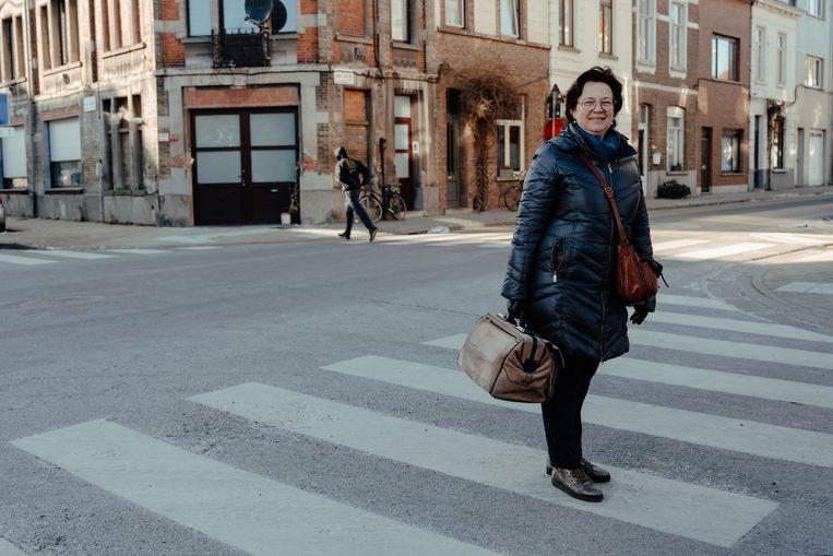 Myriam Nys, huisarts in Gent: 'Sommige mensen veinzen klachten, opdat ik zou langskomen en ze met iemand kunnen praten.' Beeld Damon De Backer