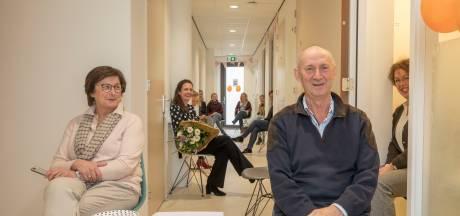Johan Eckhardt (66) is al 40 jaar huisarts in Wemeldinge, maar wie volgt hem op?