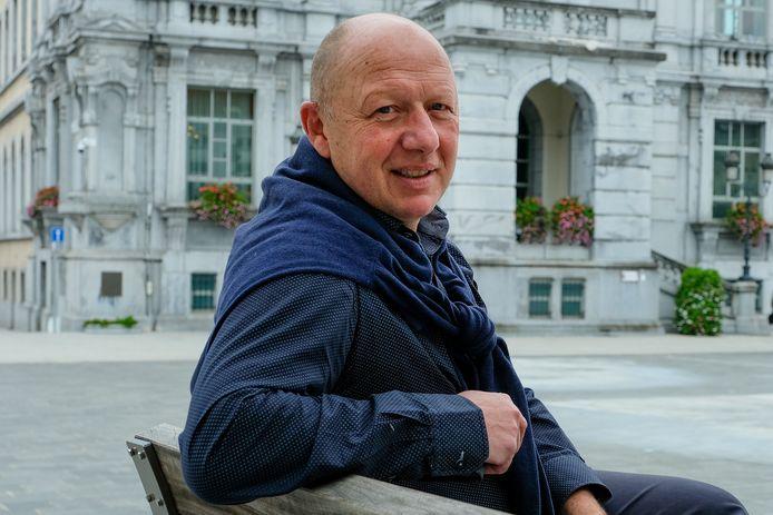 Hans Bonte (Vooruit) wil in Vilvoorde de mondmaskerplicht in het middelbaar onderwijs blijven opleggen bij de heropstart van de scholen.