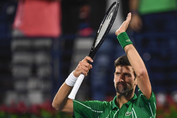 Les compliments du numéro 1 mondial pour la jeune retraitée Maria Sharapova.