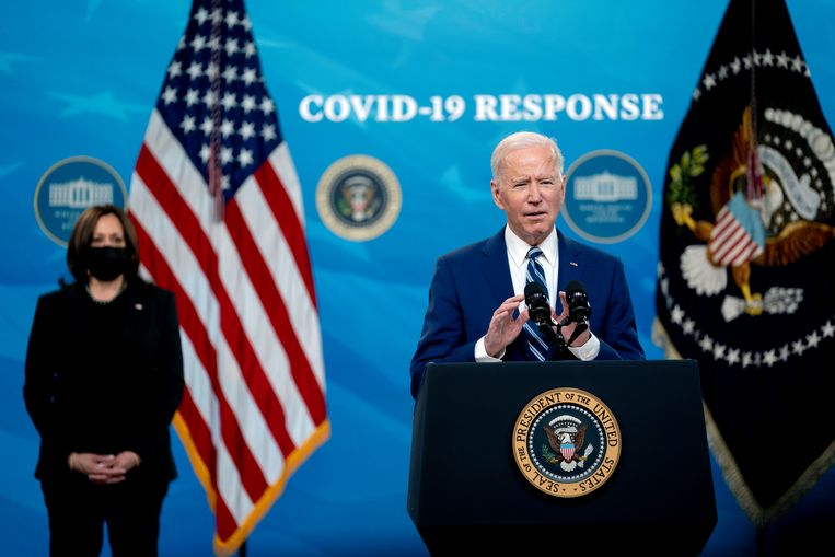 President Joe Biden (r) en vice-president Kamala Harris (l). Beeld Photo News