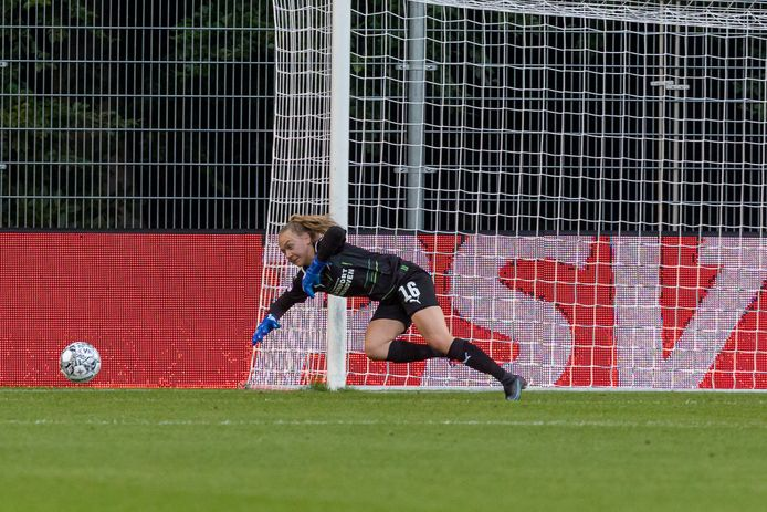 Lisan Alkemade had amper iets te doen bij PSV-PEC Zwolle.