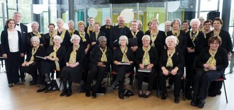 Zilveren koor Cantabile uit Tilburg: veelzijdig repertoire en oog voor elkaar