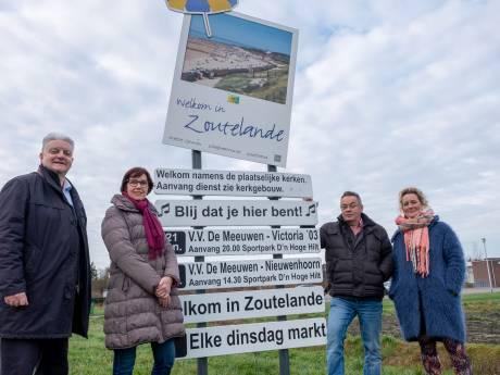 Toeristen, zijn we blij dat ze hier zijn? In Zoutelande wat meer dan in Veere...