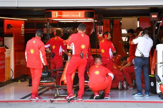 Problemen bij het kamp-Vettel.