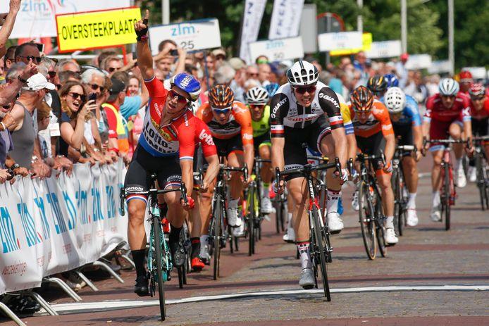 Dylan Groenewegen won in 2017 in Hoogerheide een etappe in de Ster ZLM Tour, voor Max Walscheid. Op woensdag 1 september finishen de wielerprofs uit de Benelux Tour in Hoogerheide, na een rit die start in buurgemeente Essen.