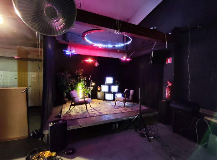 De Stroomstoten gaan door in deze studio.