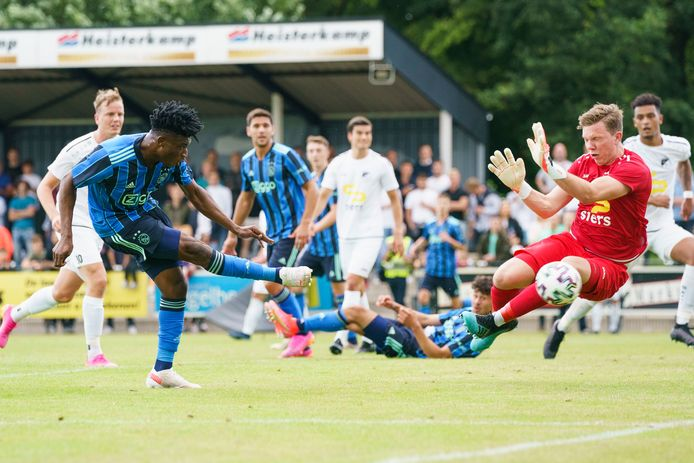 Mohammed Kudus zet Ajax op 0-1.