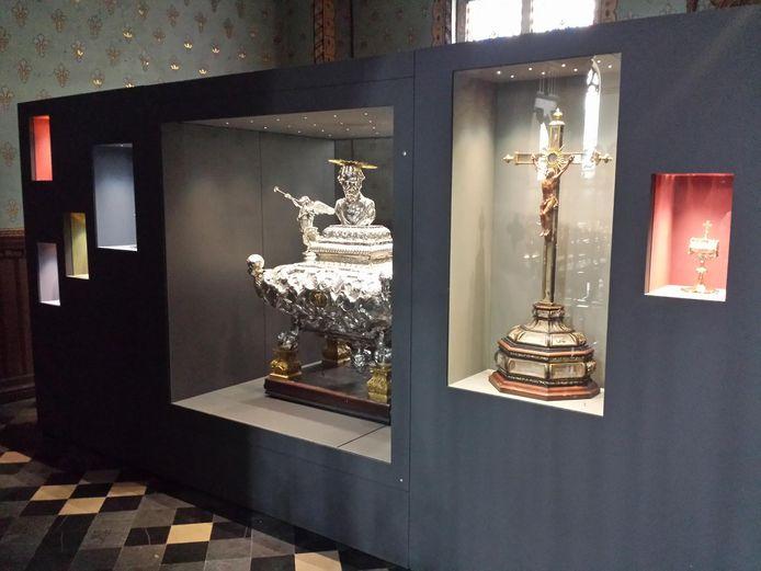 In de museumkast worden enkele kunstschatten permanent tentoongesteld.