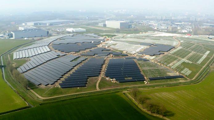 Zonnepark de Bavelse Berg, waar 94.500 panelen op komen te liggen: eind april operationeel.