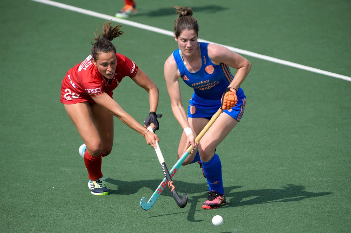 Lien Hillewaert gaat fel in duel tegen Nederland. Zondag speelt ze met de Panthers om brons tegen Spanje.