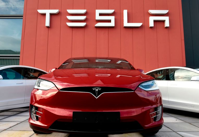 Tesla is de enige autoverkoper die in coronatijden winstcijfers kan schrijven.  Beeld AFP