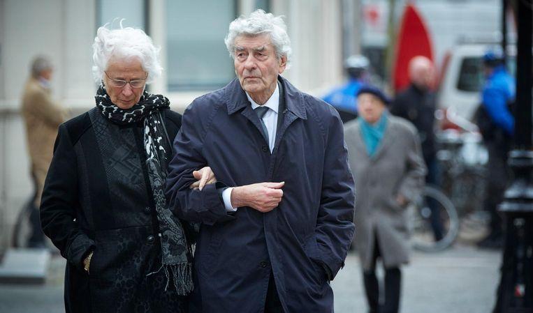 Met zijn vrouw Ria bij de uitvaart van oud-minister Els Borst in 2014. Beeld anp