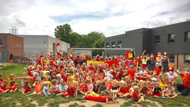 Rode Duivels-gekte slaat toe in Oudenaardse scholen: leerlingen massaal in zwart-geel-rood naar school